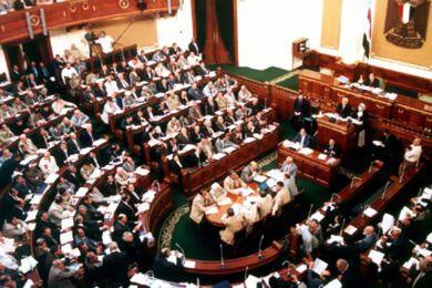 """تسليم اتفاقية ترسيم الحدود """" تيران و صنافير """" للبرلمان المصري اليوم"""