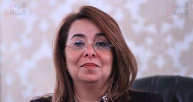 غادة والي تفرق بين الخدمة العامة و الخدمة العسكرية