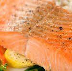 بعض فوائد سمك السلمون منها القضاء على الخلايا السرطانية